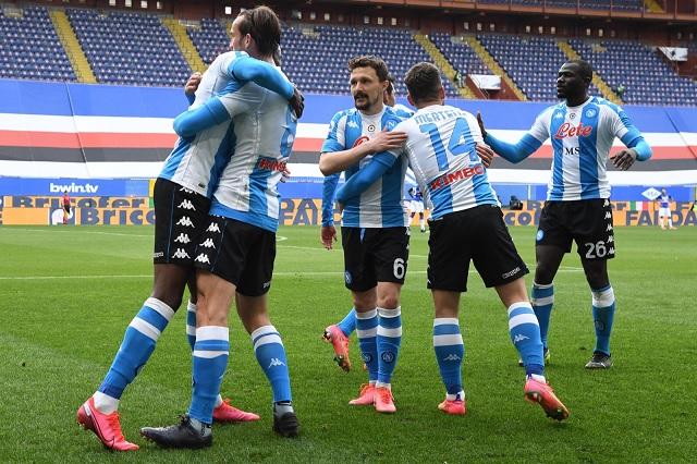 Napoli vuelve a puestos de Champions con victoria sobre Sampdoria