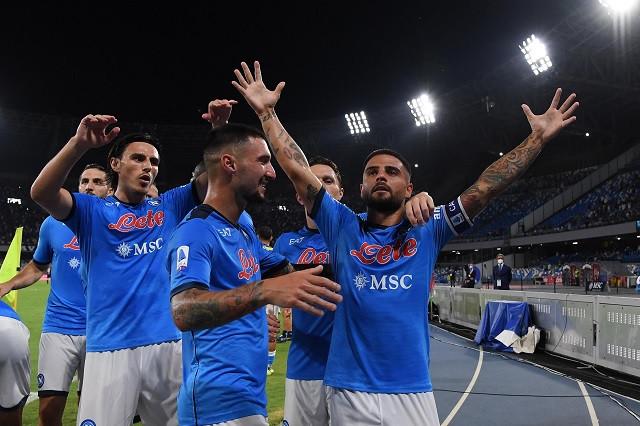 Chucky regresa a Napoli y arma jugada de gol ante Venezia