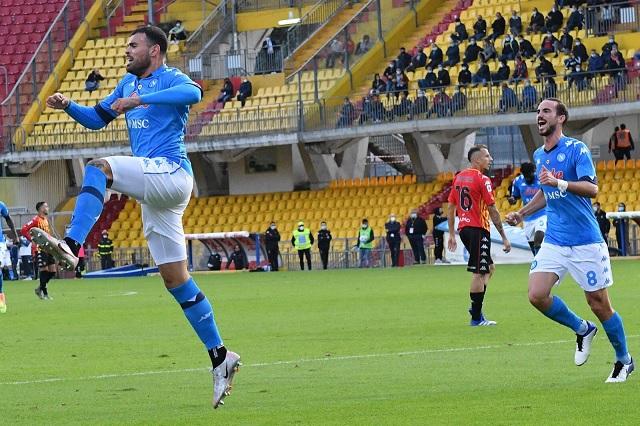 Napoli le da la vuelta al Benevento; continúa invicto en Serie A