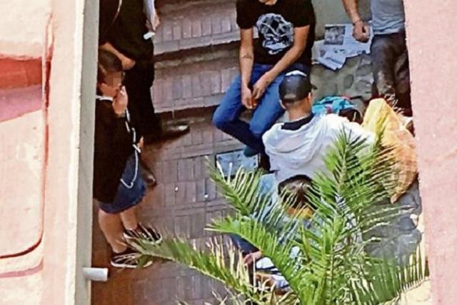 Vendedores de droga instalan narcotiendita junto a la biblioteca de la UNAM