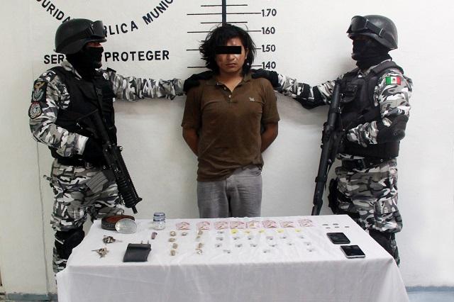 Aseguran en San Pedro Cholula a presunto narcomenudista