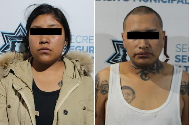 Policía de Puebla detuvo a dos probables narcomenudistas