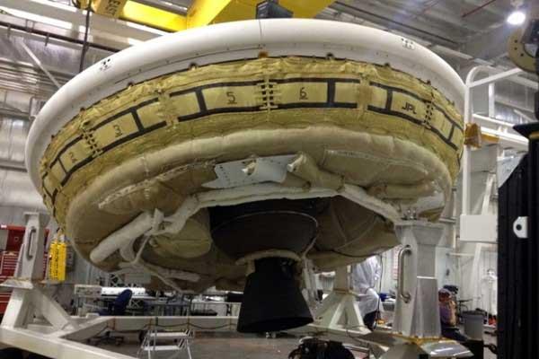 La NASA pone a prueba vehículo espacial con forma de platillo volador