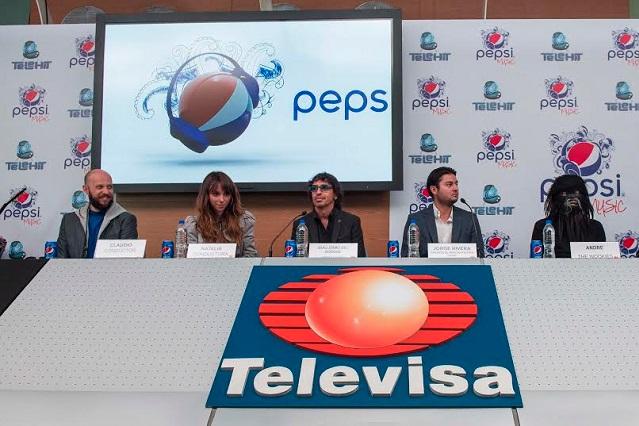 Natalia y Claudio conducirán programa de Telehit