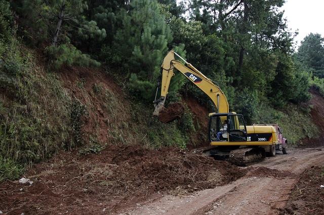Obra hidráulica en Huauchinango y caminos en Sierra Negra con Fonden