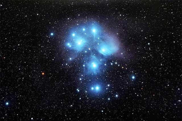 Con realidad virtual, permiten en exposición adentrarse en las nebulosas