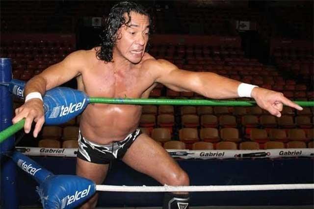 Luchador en Arena Puebla