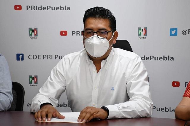 PRI critica al PAN y dice que no rogará por alianza en Puebla