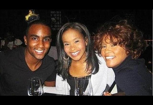 Muere por sobredosis Nick Gordon, hijo de Whitney Houston