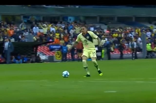 Nico Castillo no metió goles en la final, pero sí los anota en el amor