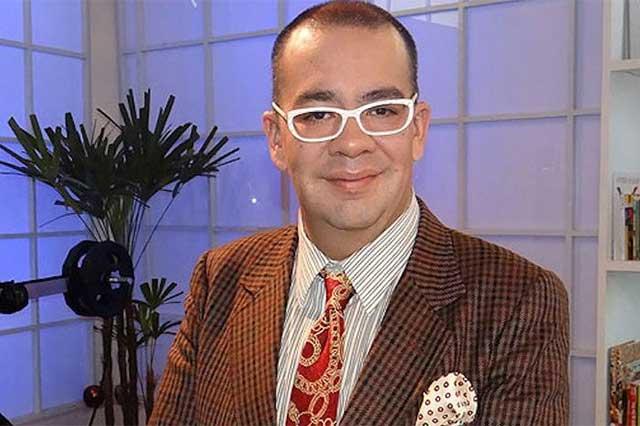 El director de TV UNAM despotrica en contra de Juan Gabriel