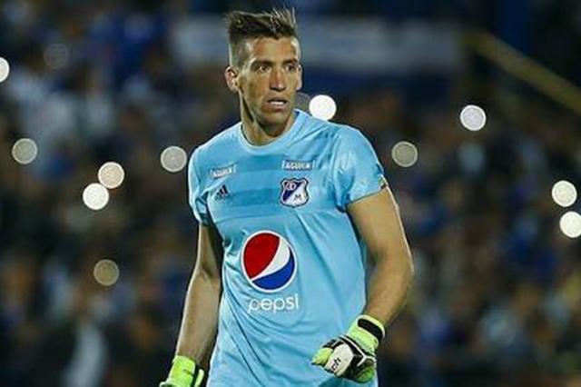 ¡Es oficial! Nicolás Vikonis llega al Club Puebla