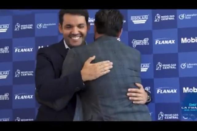 Larcamón se queda con Puebla: renueva por 3 torneos con el Club