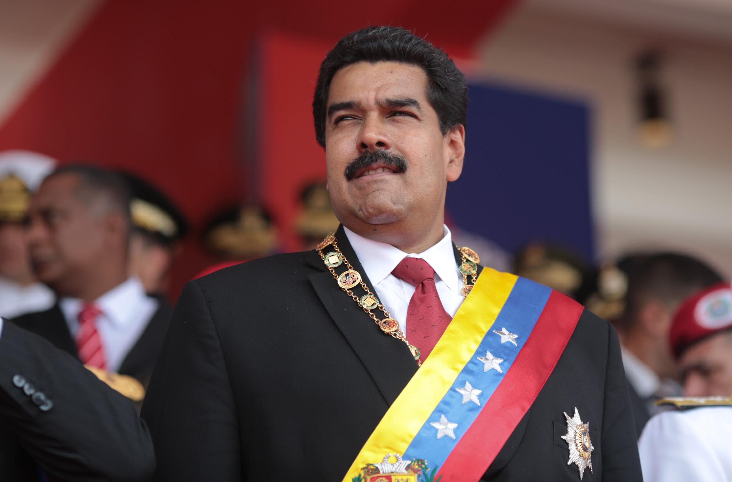 Convoca Nicolás Maduro a crear una nueva Constitución para Venezuela