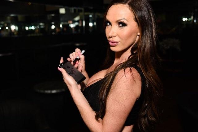 Actriz porno denunció que fue violada durante la filmación