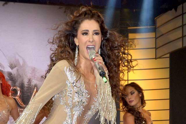 Ninel Conde intimida con sensual baile a Christian Martinoli de Tv Azteca