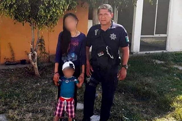 Policía de Huejotzingo, salva a niño de morir intoxicado