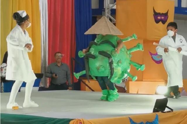 Viral: Niño se disfraza de Coronavirus para festival de su escuela