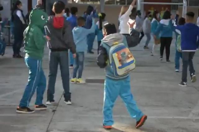 El baile de un niño en regreso a clases en CDMX enamora en Twitter