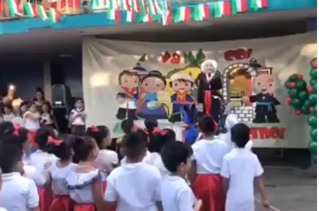Video: Viva México cabr***s, dice niño en el grito