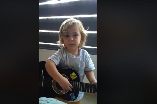 VIRAL: Mini Luis Miguel canta la Malageña y Facebook lo ama