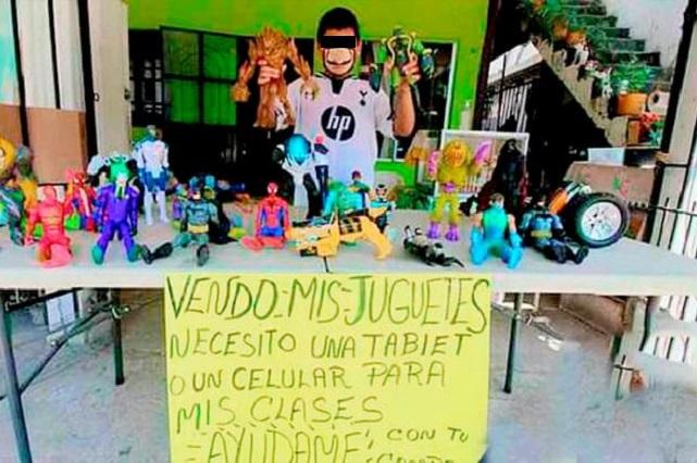 Niño vende sus juguetes para comprar Tablet y tomar clases