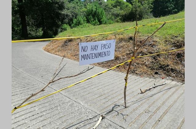 Por inseguridad vecinos bloquean acceso a colonia en Huauchinango