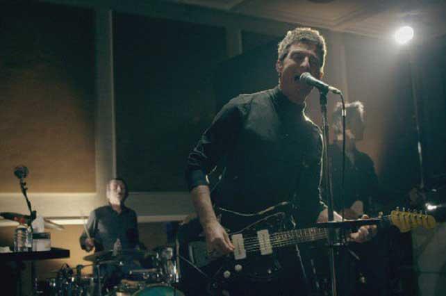 Noel Gallagher considera mundanos a quienes lo comparar con Ricky Martin