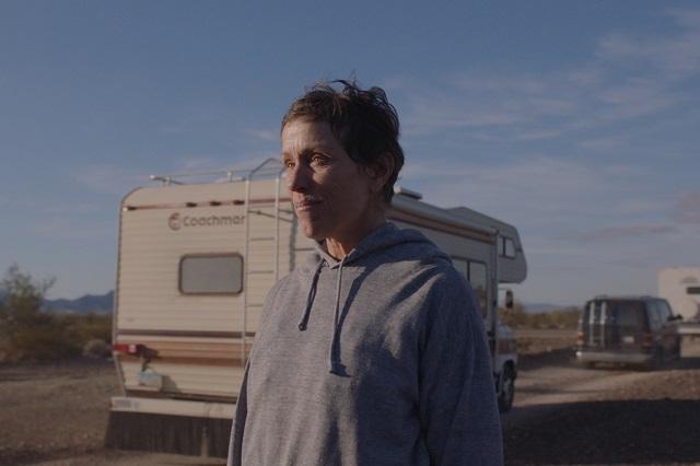 Nomadland triunfa en los premios Spirit y ahora va por el Oscar