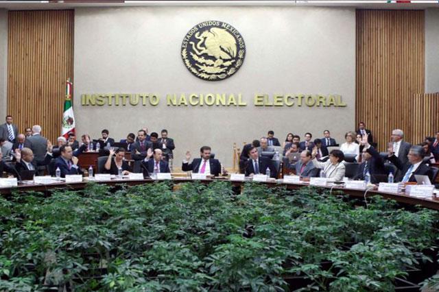 Desecha el INE solicitud del PRD para atraer elección de Puebla
