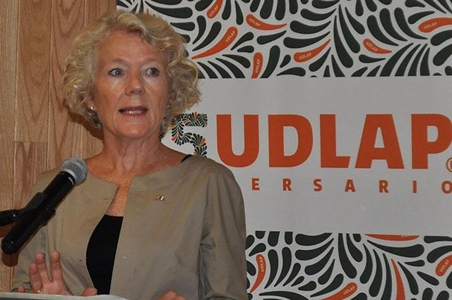 Embajadora de Noruega analiza relación con México en la UDLAP