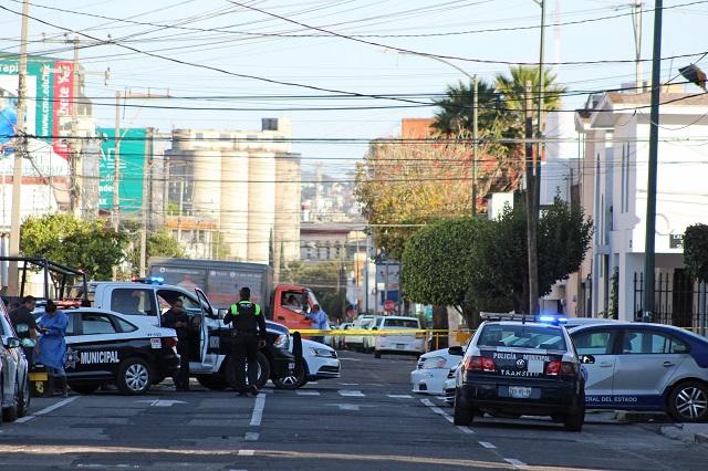 Mal día para delincuentes: linchan a uno y abaten a otro en Puebla