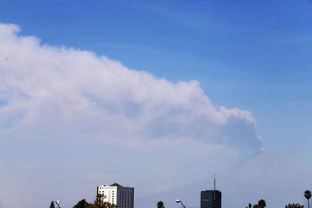 Explosión del Popocatépetl genera  columna eruptiva de 3 mil metros