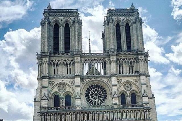 Artistas consternados por incendio en catedral de Notre Dame