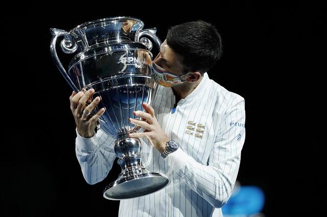 Novak Djokovic se consolida como el tercero con más victorias en finales ATP