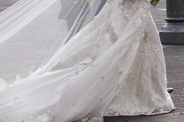 Novia pide a damas de honor dinero para su boda y que sean talla 8