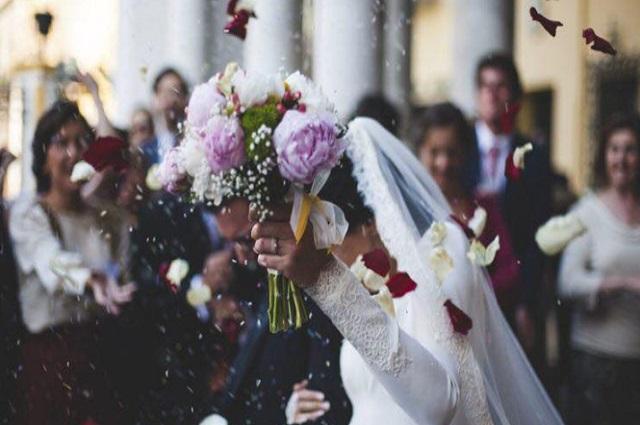 Novio muere el día de su boda a causa de covid-19