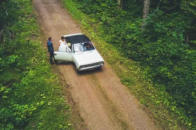 Recién casados se toman foto viral por atrevida e íntima