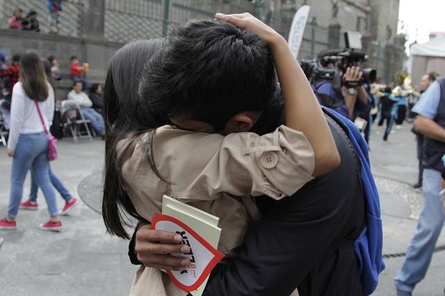 Empresa ofrece más de 67 mil pesos a parejas que tengan sexo en sus colchones