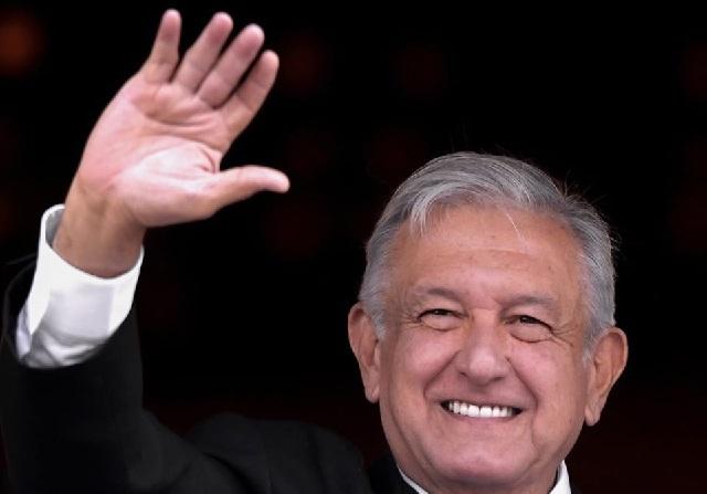 Foto / Facebook / López Obrador