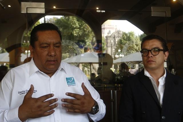 Darío Carmona no quiere dar clases; pide licencia a la SEP