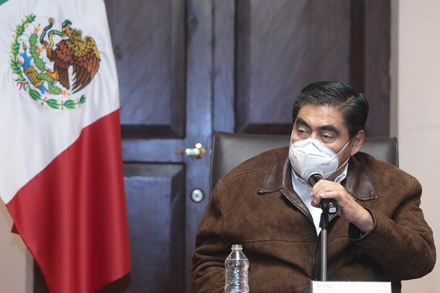 Barbosa pide a Rivera tener civilidad con el Congreso