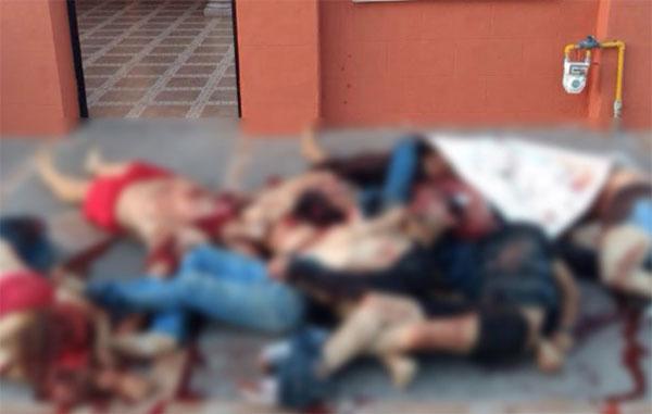 Abandonan cuerpos de 10 hombres en casa de Nuevo Laredo
