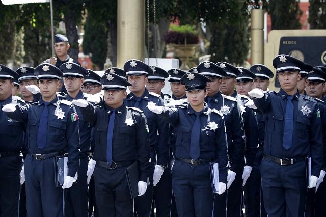 Comuna amaña concurso para uniformes de policías, acusan