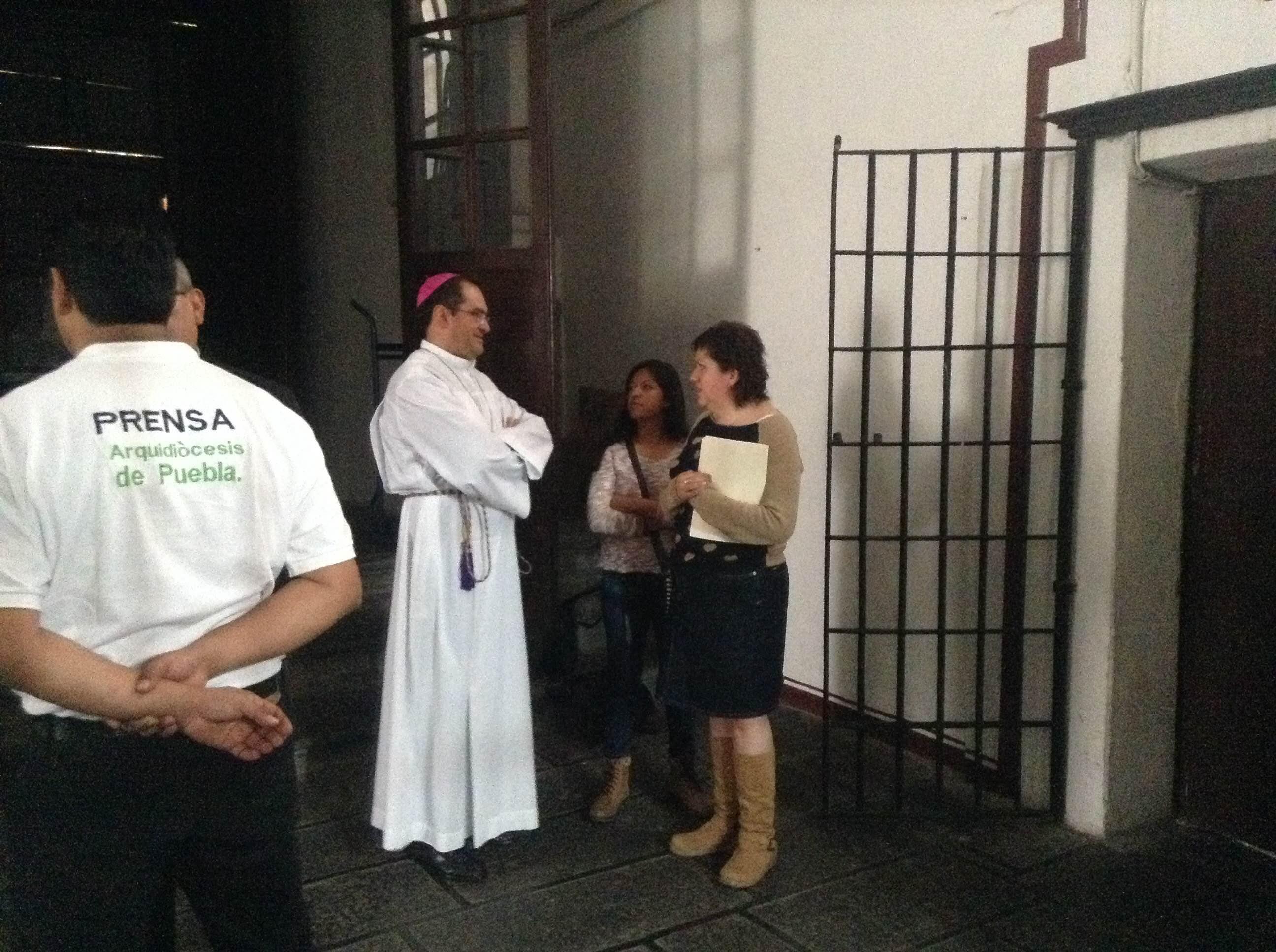 Obispo solicita ayuda para poblanos que sean deportados desde los EU