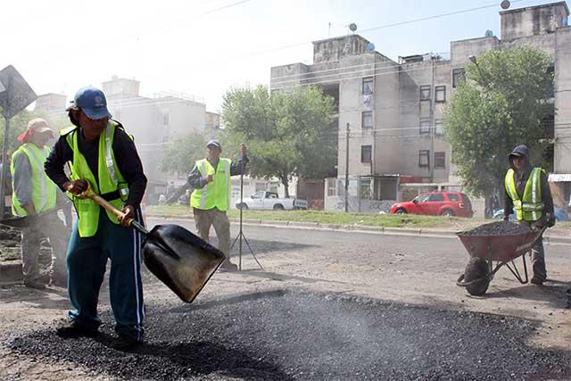 Licita Ayuntamiento menos obra pública en el último año