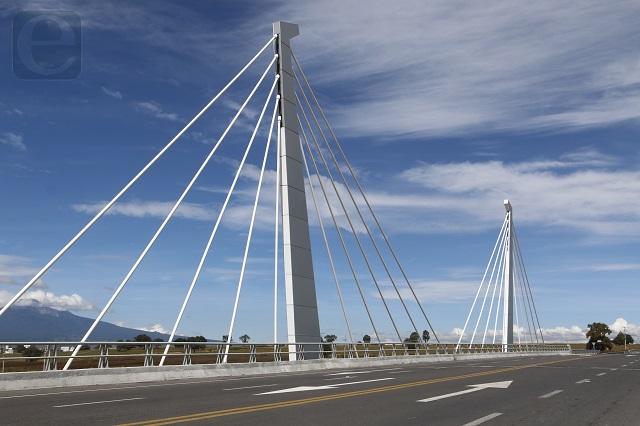 Puentes de RMV, sólo un adorno de 83 mdp: dictamen