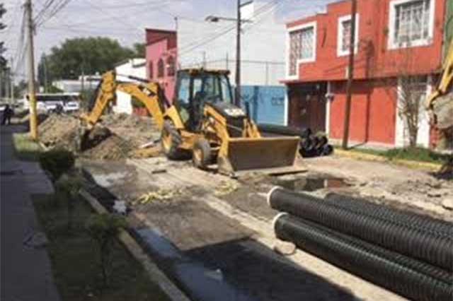 Agua de Puebla sustituye drenaje sanitario en San Manuel