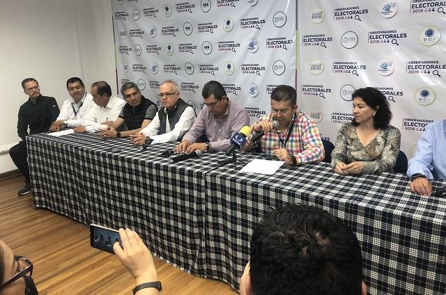 Observadores de la IP documentan acarreo con taxis en Puebla
