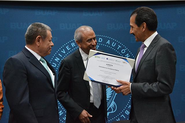 Obtiene Contaduría Pública BUAP reacreditación de licenciatura